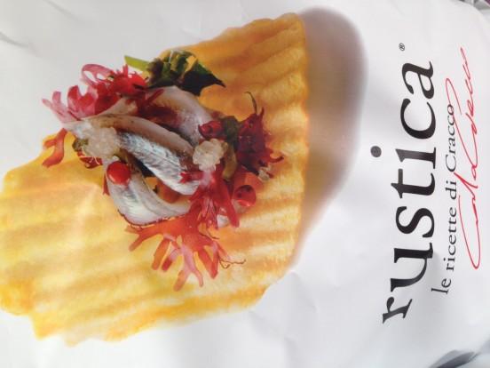 Dall'uovo di quaglia alle alici marinate, ecco le chips San Carlo firmate Carlo Cracco