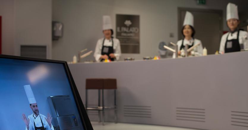 La nuova scuola di cucina? In telepresenza o con l'avatar